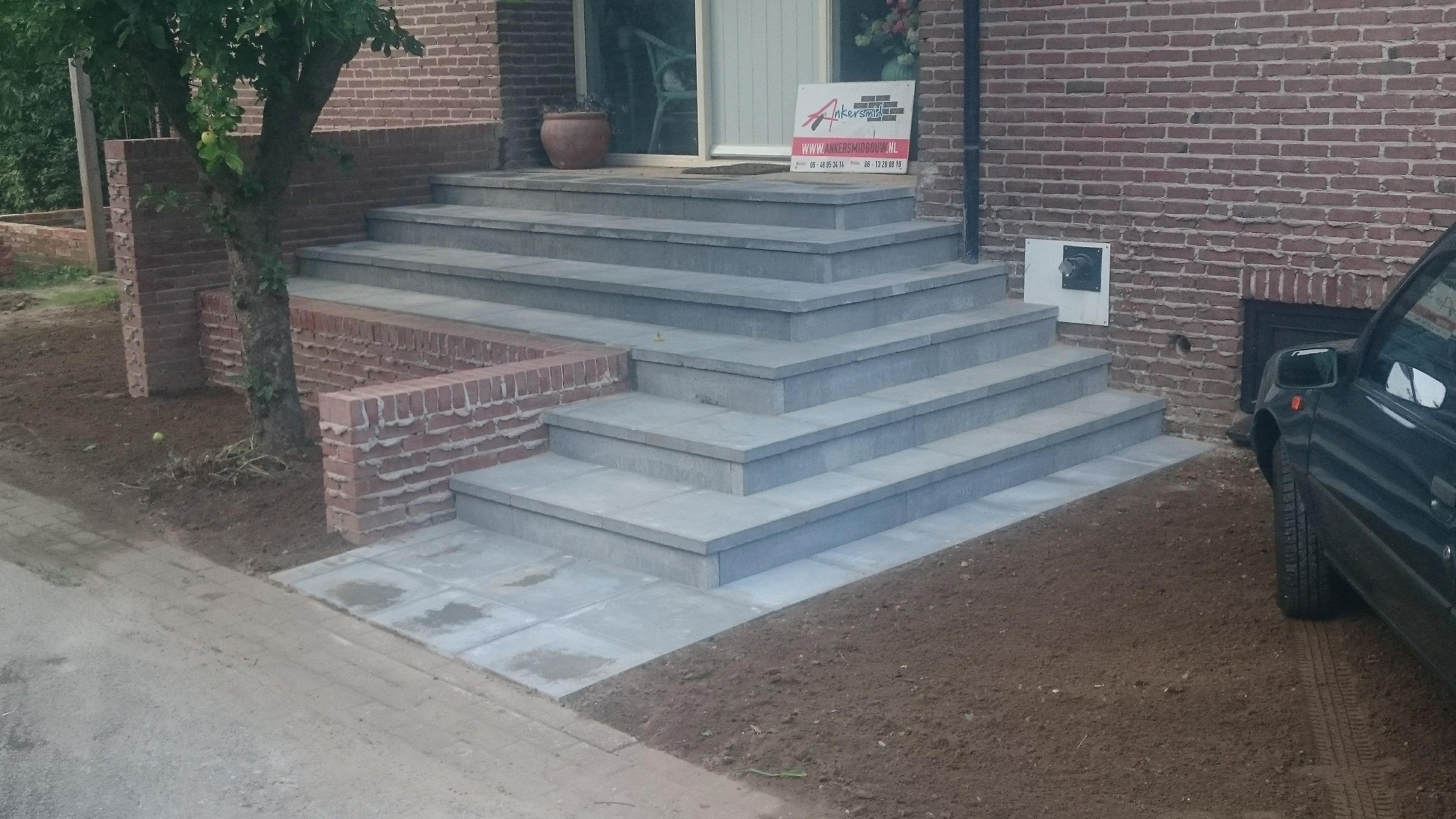 Trap aanleggen betontegel